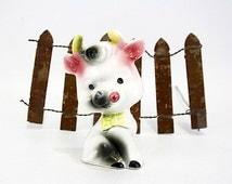 Vintage Cute Kitsch Cow Figurine (E5483)