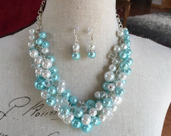 Robin egg blue (turquoise) and white chunky Pearl necklace, bridesmaid jewelry, SPA color