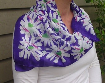 Purple Edged Neck Scarf, Square Neck Scarf, Ladies Neck Scarf, Perhaps a Silk Fabric, Patterned Neck Scarf, Vintage Scarf, Collectible Scarf