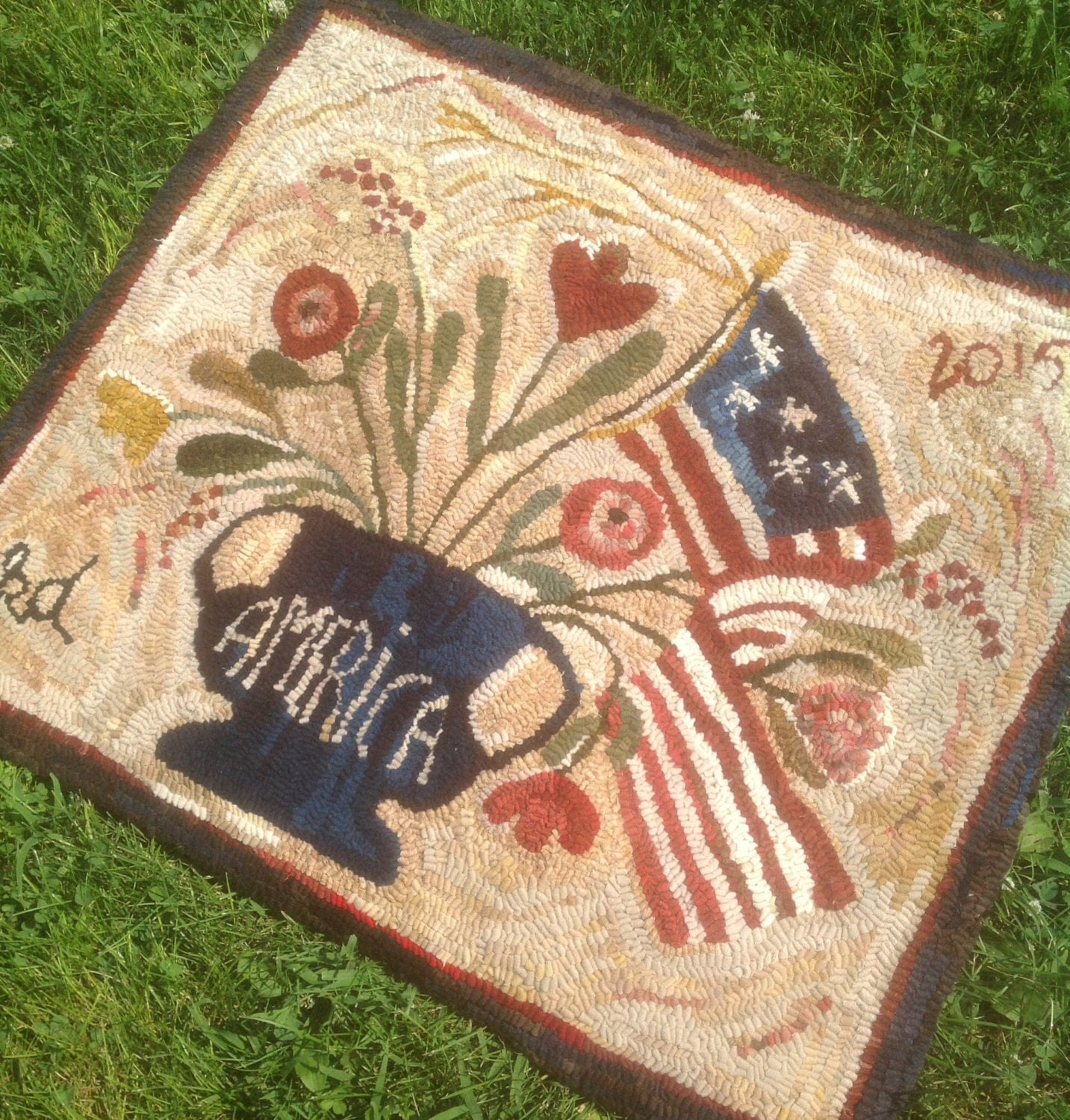 Primitive Style Patriotic Hand-Hooked Wool Rug By