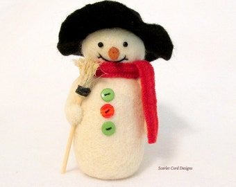 Needle Felted Snowman, Red, Winter Decor, Christmas Decoration, Felted Snowmen, Ready to Ship