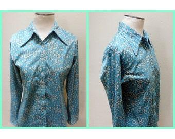 Vintage 60s/70s Blue Daisy Shirt - L