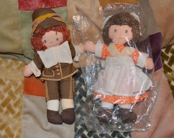 Vintage Hallmark Boy Pilgrim and Girl Pilgrim Cloth Doll Toy