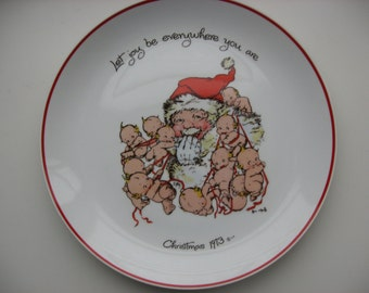 Vintage Christmas 1973 Commemorative Collector Plate //Santa Kewpie Babies//Collectible Christmas
