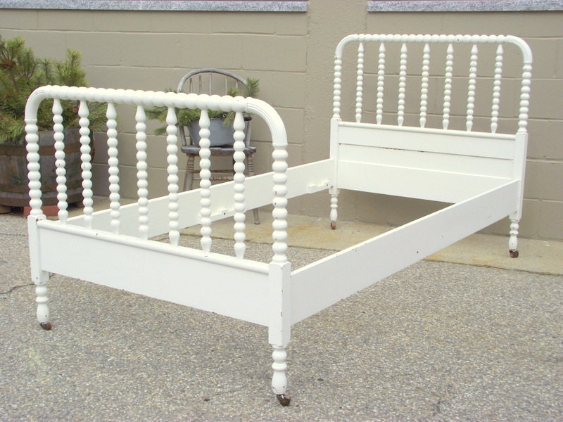 Antique Jenny Lind Bed Spindle Spool Twin Size Heirloom Solid