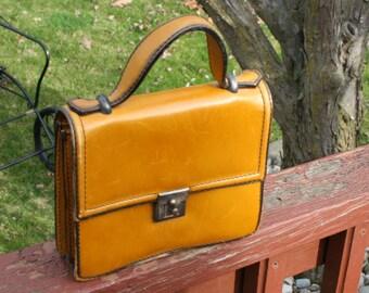 Vintage Carmel Leather Purse