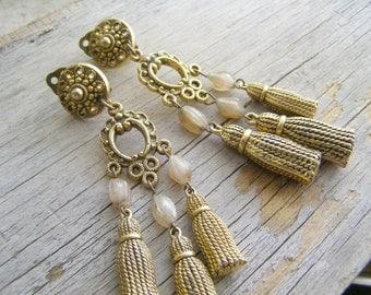 Vintage Golden Chandelier Earrings, Mid Century Statement Multi Tassel Light Dangle Clip Earrings, Boho Bohemian 70s Style Fashion Jewelry
