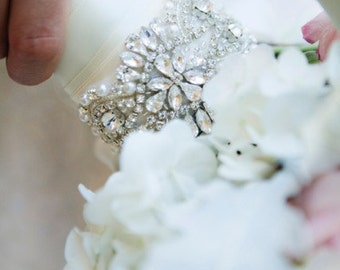 Bouquet Wrap, Bouquet Jewelry, Crystal Wrap, Flower Wrap, Bridal Bouquet Cuff, Wedding Flowers, Wedding Bouquet, Bouquet Holder, Ribbon Wrap