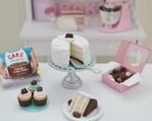 1:6 Scale Sweet Petite Play Scale Miniature White and Chocolate Cake Set