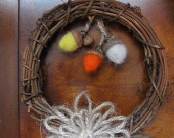 Autumn Wreath With Felted Acorns