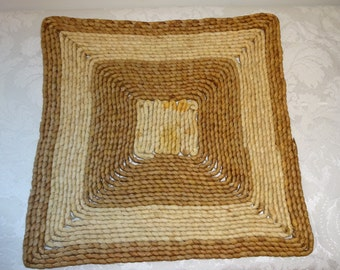 Vintage Square Woven Straw Trivet / Potholder Large Hot Pad Pot Holder