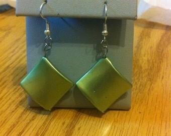 Wavy green acrylic diamond earrings