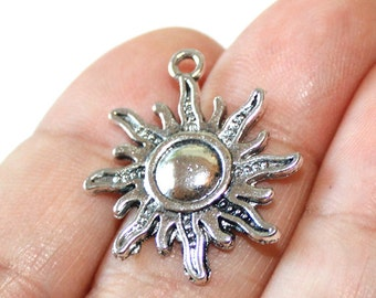 8 Sun Charms Antique Silver Tone - CH381