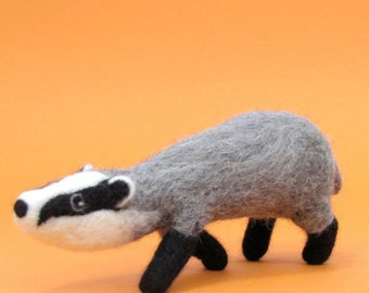 Badger Craft Kit - Needle Felting Craft Kit - Make Own Woodland Animal - British Yarn & Design - Gift