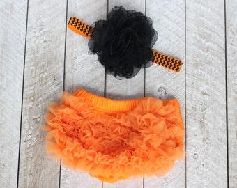 Baby Girl Ruffle Bottom Bloomer & Headband Set in Orange and Black Chevron - Newborn Photo Set - Infant Bloomers - Diaper Cover - Baby Gift