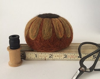 Ultimate Quilter's Wool Felt Pin Cushion