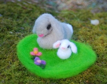 Needle Felted Flop Eared Bunnies, Felted Bunnies with Carrots & Grass Patch, Felted Animals, Easter Bunny