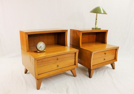 Mid Century Modern Stanley nightstands table set (2)