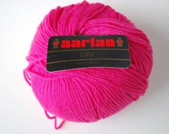 1 skein Aarlan city merino wool
