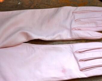Vintage pink leather gloves
