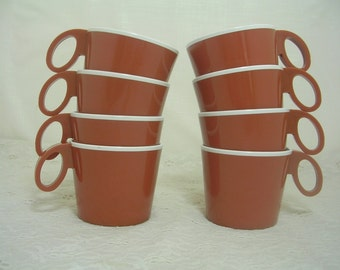 Vintage TWA Acrylite Plastic Brown Coffee Mugs Cups--8