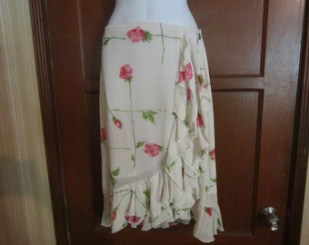 Betty Johnson Floral White Frilly Skirt.