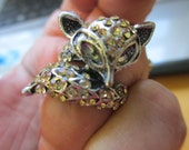 Vintage Size 8 lady's silver tone fox wrap around ring clear rhinestones no markings