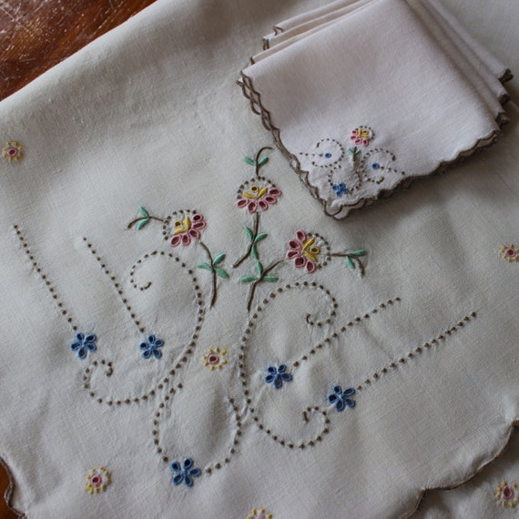 Nappe lin vintage 4 serviettes de table brod de fleurs pastel - Ensemble nappe et serviette de table ...