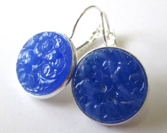 Vintage button earrings, blue glass buttons with floral design, silver lever backs