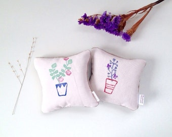 Little Garden Lavender Sachets (made with hand carved stamps)