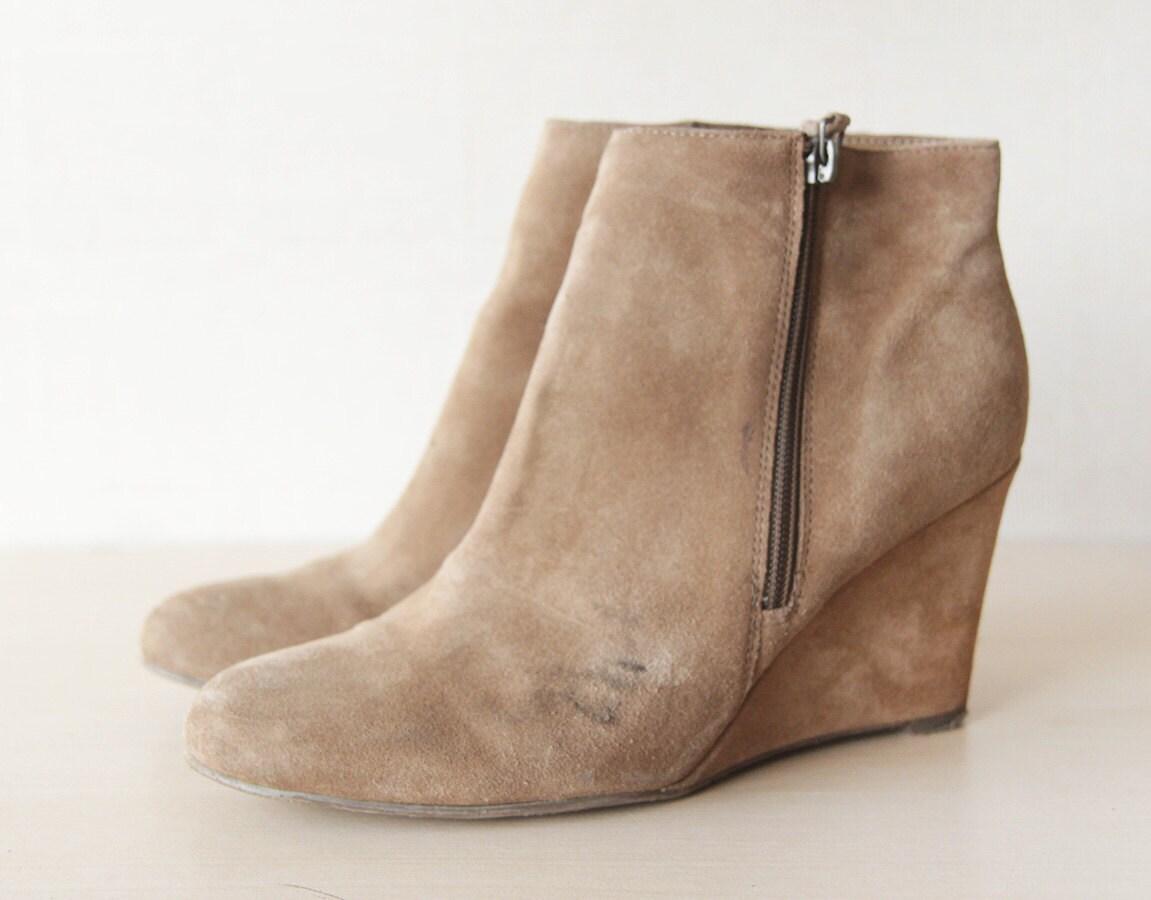 beige suede minimalist high wedge heel ankle boots 8 5