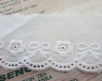 5 Yards 38 mm Wide Vintage Cream Tone Cotton Lace Trim with Embroidered Eyelet Scallop Edging and Flower Ribbon Design