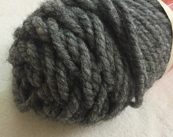Bulky Lochwind Brunswick Yarn Heather Grey Acrylic