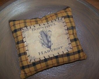 Primitive Homespun Pillow Tuck Vintage Harvest Logo