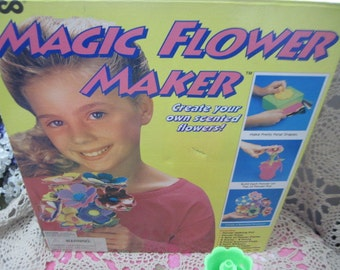 Tyco Magic Flower Maker 1995, Flower Game, Children's Crafts, Pretend Play, Gift Idea,   :)S*