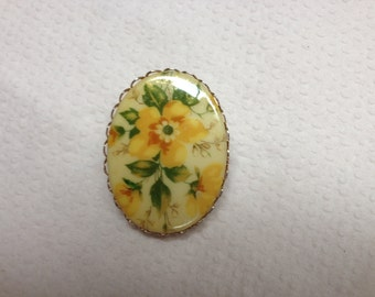 Vintage Goldtone and Yellow Floral Design Pin/Brooch
