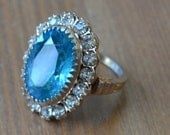 Beautiful antique art deco gold tone cocktail ring with blue and white rhinestones / IFHSUU