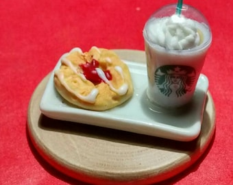 Miniature frappe and danish