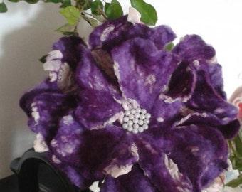 Flower in violet- felted brooch