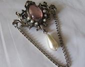 Vintage Brooch/Pendant. Victorian style Pink/pearls silver metal