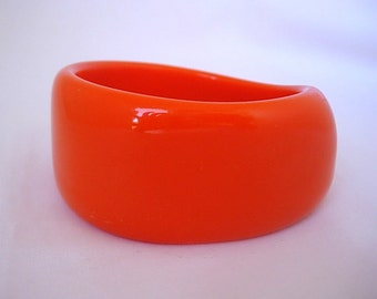 Vintage Opaque Bright Orange Heavy Chunky Free Form Lucite Bangle Cuff Bracelet 1960s 70s Groovy Retro Mod Psychedelic Large Size Statement