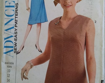 Advance Dress  Pattern 3480, Size 14