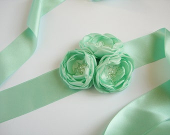 Mint flower sash Floral bridesmaid belt Wedding accessory Flower girl sash Bridal mint green sash