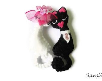 Felt brooch-brooch felt-felt pin-felt cat brooch-cat brooch-white felt-animals brooch-felt jewelry-felt accessories-Love cats brooch
