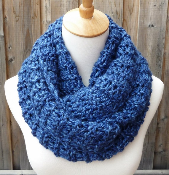 Infinity Scarf Knitting Pattern Super Bulky : Blue Infinity Scarf Bulky Knit Scarf Circle Scarf Super