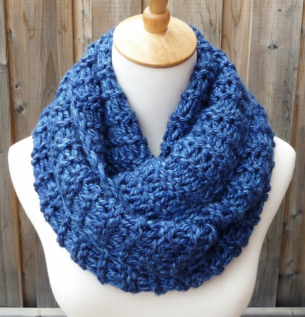 Infinity Scarf Knitting Patterns With these fabulous free and easy patterns for infinity scarves, you can go loop-the-loop crazy or keep it simple. Experiment with a huge range of textures and colorways: go bulky, super bulky or even arm knit%(K).