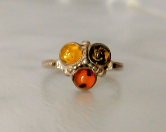 Navajo Sterling Amber Ring,   Size 8,   Signed  DM Begay