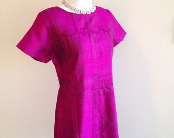 Vintage Magenta Mid Century Mini Dress Shift Style Ladies Small to Medium