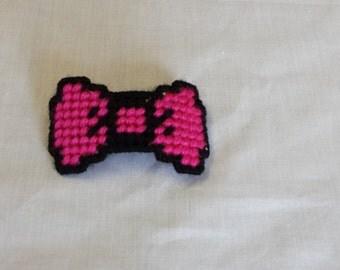 Plastic Canvas 8-bit hair bow barrette