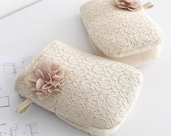 Free Shipping Cozymom 2 set  Handmade Lace Oven Glove,Kitchen Gloves,Modern Oven Mitt, Quilted Oven Glove